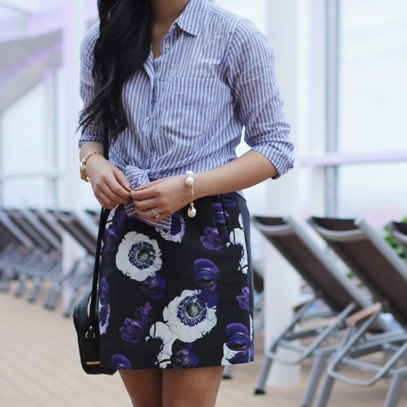 J. Crew Skirts - J.Crew floral print mini skirt with pockets!