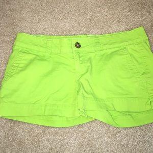 SO Pants - Green Shorts
