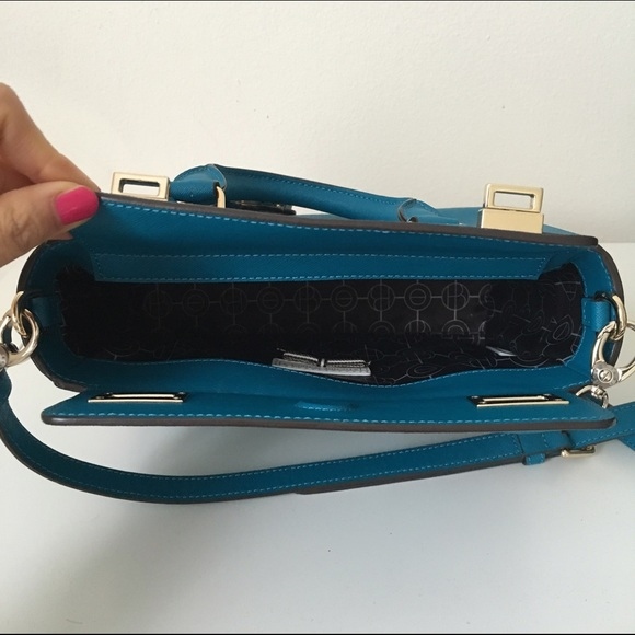 henri bendel Bags - Henri Bendel Turquoise Crossbody Bag