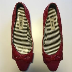 Ruby red Moschino Cheap & Chic flats