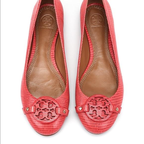 13710f4307c93e Tory Burch • Red Minnie Miller Ballet Flats. M 5739f952a88e7d4bed08c35d