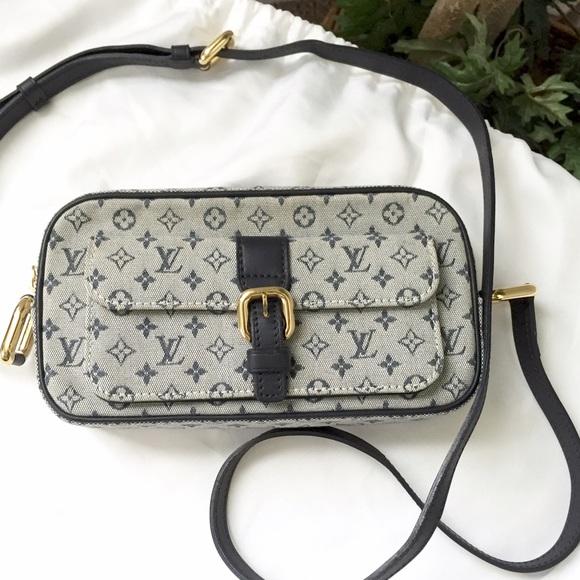 Louis Vuitton Handbags - Louis Vuitton Monogram Mini Juliette Bag 64c893be3e