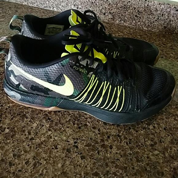 new concept 26da7 6fd70 ... max camo flywire Nike shoes. M 573658f756b2d61c9a00de66