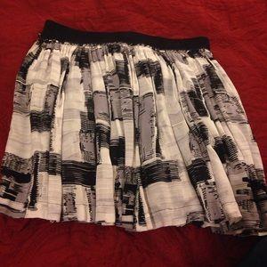 Dresses & Skirts - Black and White Patterned skirt