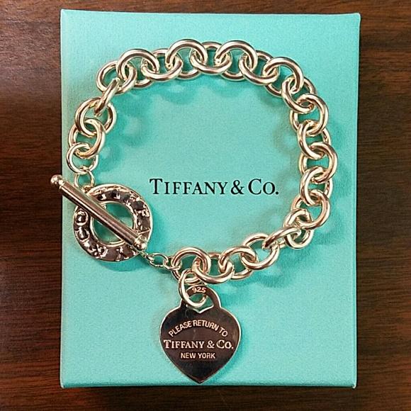 58481554b Tiffany & Co. w/ receipt- Heart Toggle Bracelet. M_5736718613302a3f0d0370c6