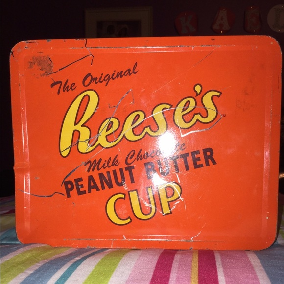 7bcf7e3ddc79 Reeses old school lunch box collectable edition