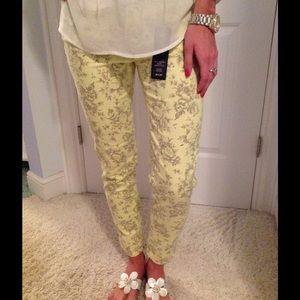 Buffalo David Bitton Denim - 🎁New Buffalo David Bitton floral skinny crops 29