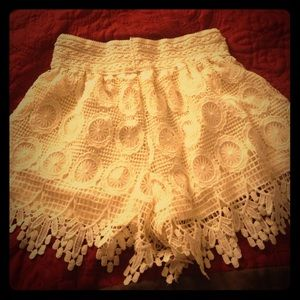 Pants - Cream-Colored layered Lace Shorts
