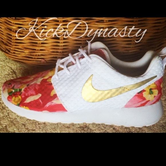 new product ee7fa 44160 nike roshe with floral check designs for kids free
