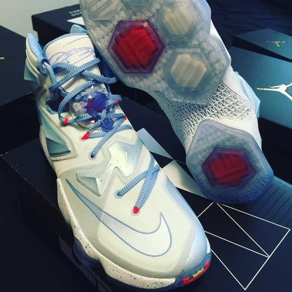 save off ef5c3 ba235 Lebron 13 xmas fire and ice