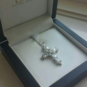 BNIB Daniel Steiger BEAUTIFUL cross necklace