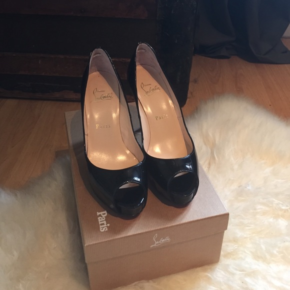 more photos e90b7 c881b Very Prive 100 Patent Leather Christian Louboutin