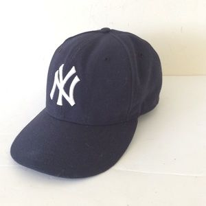 Authentic Yankees Official On-Field Cap Size 7 1/8