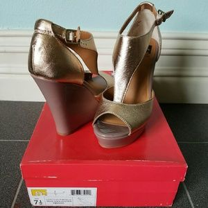 BC Footwear Shoes - Rose Gold Leather Wedges