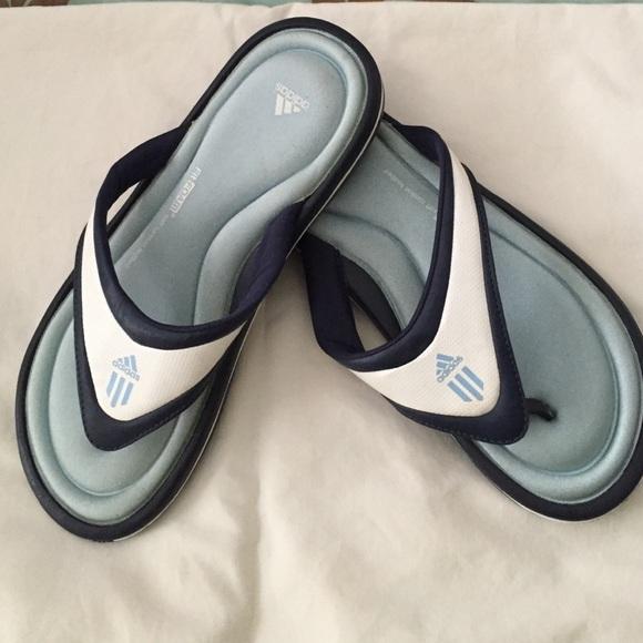 ec2ae6bb8d6dc9 Adidas Shoes - BRAND NEW Adidas memory foam flip flops