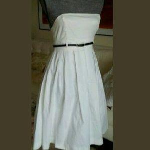 Black Halo Dresses & Skirts - BLACK HALO white strapless full skirt dress