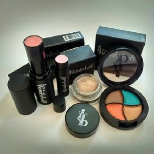 Be a Bombshell makeup 4pc lot eyeshadow & more!