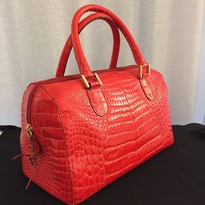 Retta Wolff Handbags - Retta Wolff Ligator purse in excellent condition.