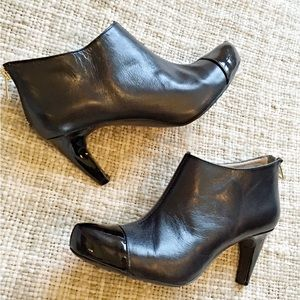 Easy Spirit Shoes - Black Patent & Leather Booties