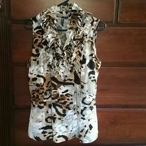 Milano Tops - Sleeveless, animal print with ruffled collar