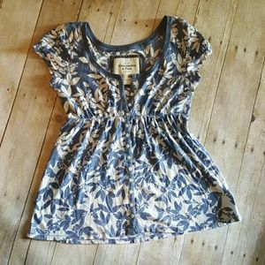 Abercrombie & Fitch Tops - Flirty Floral Shirt
