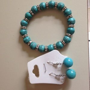 Jewelry - Boho Turquoise matching earrings and bracelet
