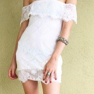 Dresses & Skirts - XS White Lace Bardot Dress