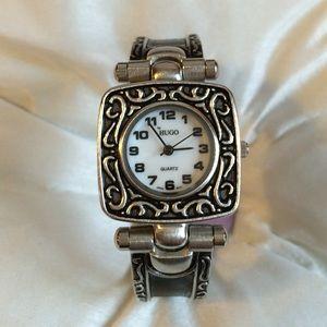 Hugo Accessories - 🎉Host Pick🎉Classy silver & black watch