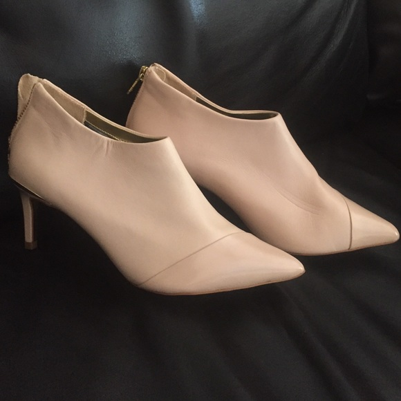 cc1bd639add2 ... 👠🎉Ted Baker New Nude Ankle Boots. M 5737b4478f0fc4809c00ea17