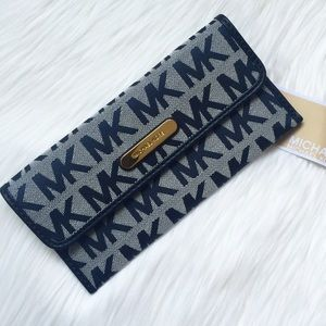 New Michael Kors Navy Signature Wallet!