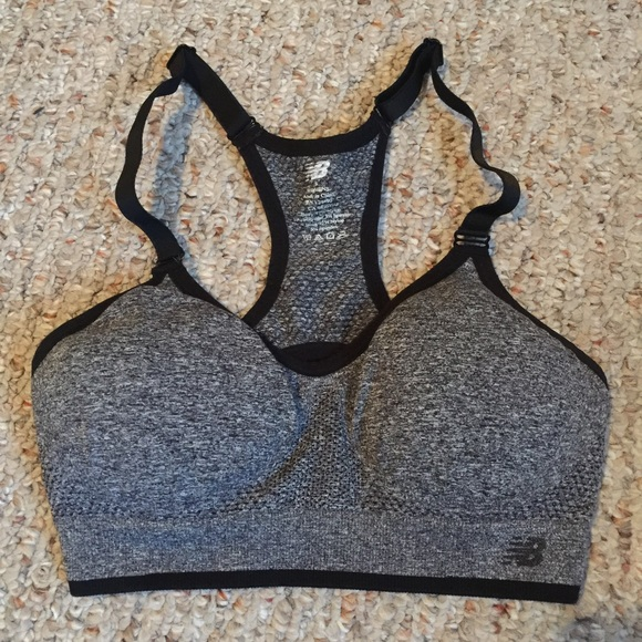 7a8b315a04 NB sports bra. M 5737ca516a5830d2cd0560e8