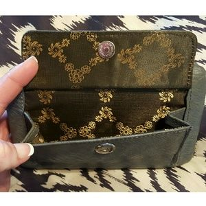 rustic Couture Bags - ✨✨Bling Rustic Clutch✨✨