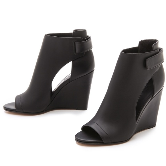 Vince Leather Cutout Wedges clearance under $60 9nA30ISI0V