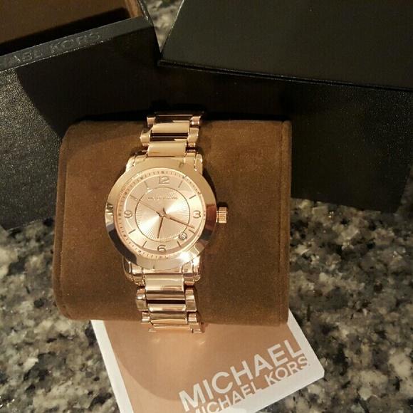 d837ca9345e0 Michael Kors Janey rose gold bracelet watch MK3486