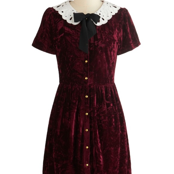 39659e0e68 Dresses   Skirts - Velvet Peter Pan collar dress from modcloth
