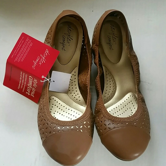 9903fd2e8548 Dexflex shoes dexflex comfort size ballet flats poshmark jpg 580x580 Dexflex  comfort ice skates