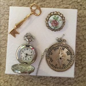Jewelry - Set of four classic vintage charms and pins
