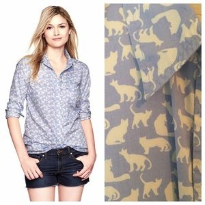GAP Tops - GAP Boyfriend Shirt in cat print