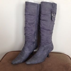 Shoes - Grey heeled boots