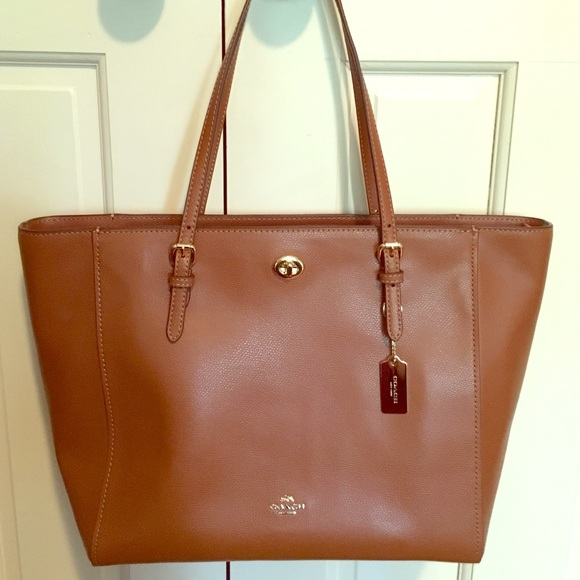 de724aa7ae17 Coach Handbags - Coach Turnlock Tote in Crossgrain Leather