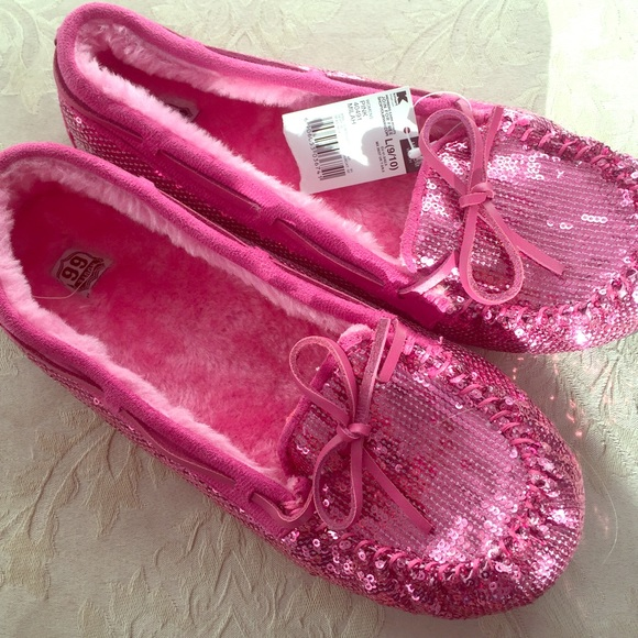 03089345d Brand New Pink Sequin Moccasin Slippers