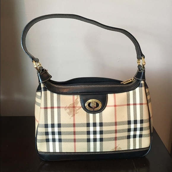 b04551748a12 Burberry Handbags - 💯% Authentic VINTAGE Burberrys Purse Bag