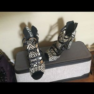 Shoes - Tribal sandals