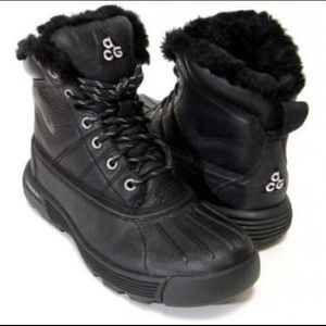 nike acg boots with fur