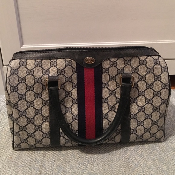a2d56ee7f6f Gucci Handbags - AUTHENTIC Gucci Boston Doctor bag