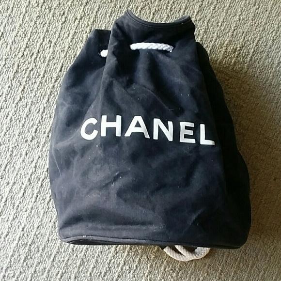 0bfb18aaae40 CHANEL Handbags - Vintage Chanel drawstring canvas beach bag