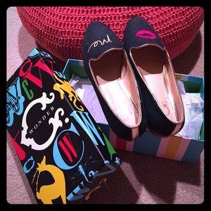 C. Wonder Shoes - 💋 C. Wonder Kiss Me flats, Size 7M