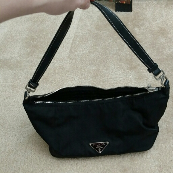 d759047f8ab6 Small black nylon Prada purse. M 573924172ba50a89550782da