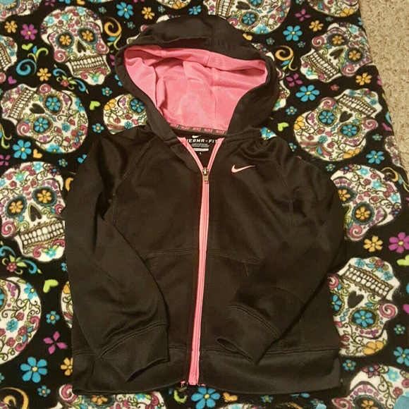 Nike Sweaters - Girls Nike thermal fit (size 6)