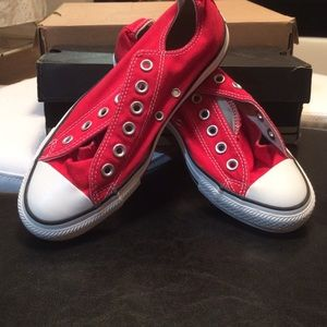 💥💥💗💗Red Converses💥💥
